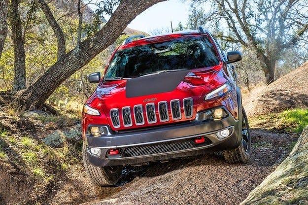Jeep Cherokee със забавяне заради проблеми с адаптацията на скоростната кутия