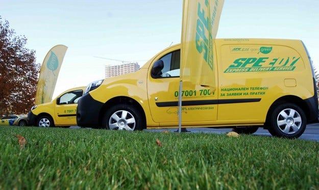Renault достави 20 броя Kangoo Z.E. на куриерската фирма Speedy