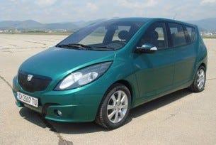 Показаха комбивариант на българския автомобил