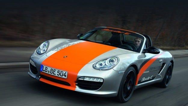 Шефът на Porsche обмисля елктрокар