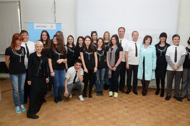 #steniskanabala е инициативата на Мото-Пфое, насочена към български абитуриенти-сираци