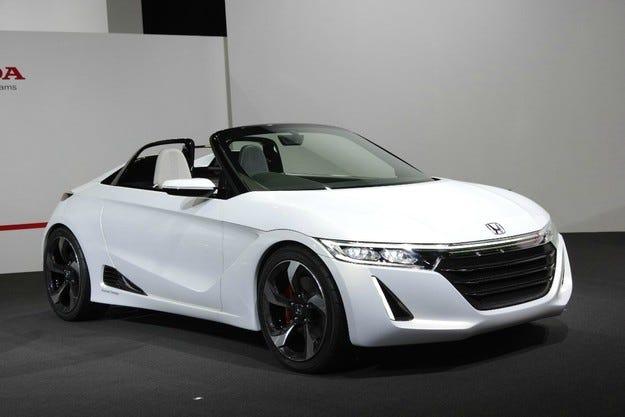 Honda се зае с разработването на компактен роудстър