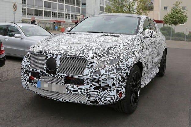 Първи пътни тестове на бъдещия Mercedes MLC