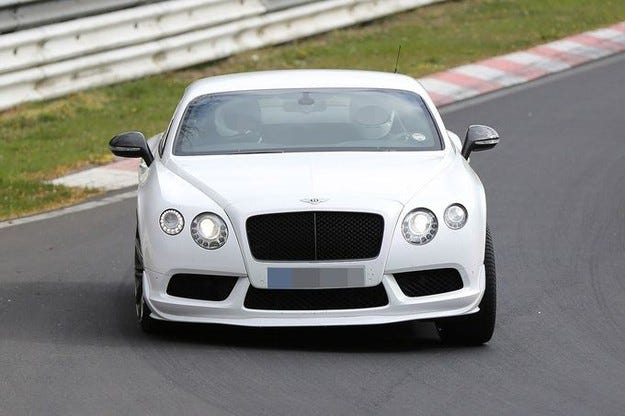 Пътната версия на Bentley Continental GT3 V8 пред премиера