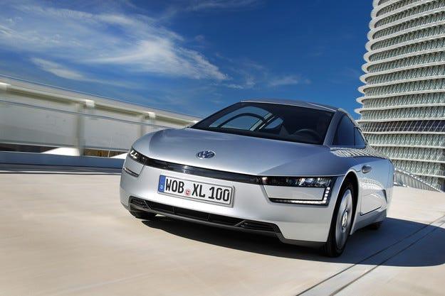 """Хибридът Volkswagen XL1 с титлата """"Дизайн на годината"""""""