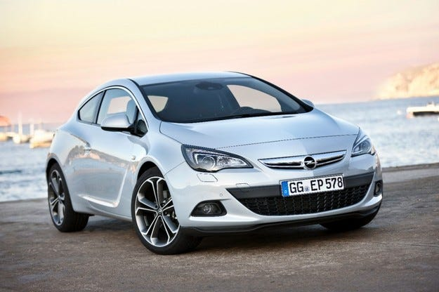 """Opel Astra GTC: Мощният """"шептящ"""" дизел за 37 860 лева"""
