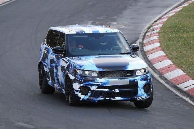 Range Rover Sport SVR: Спортен с още повече мощност