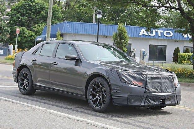 Подготвят Chrysler 300 с нова визия отвън и вътре