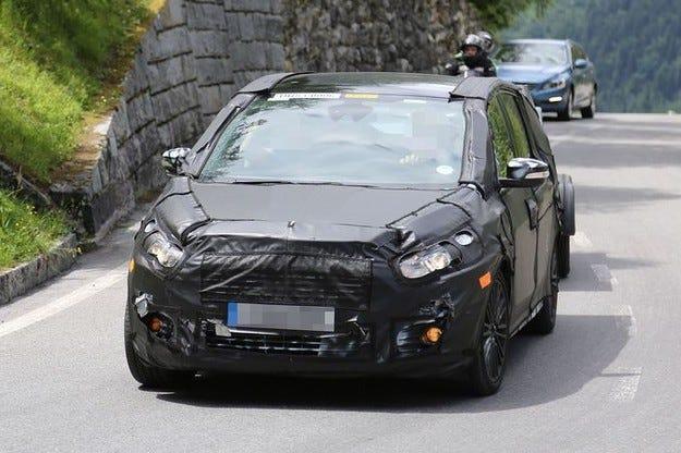 Новият Ford S-Max: Спортният ван на втори рунд