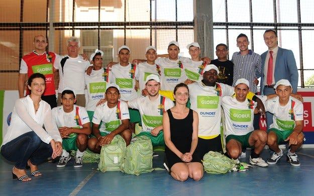 GLOBUL награди националния отбор по футбол за бездомни хора