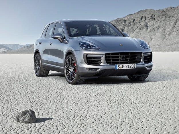 Porsche разсекрети всъдехода Cayenne 2015