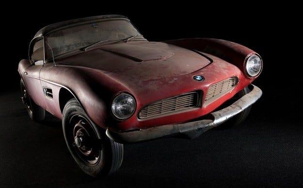 Роудстърът BMW 507 на Елвис Пресли чака реставрация