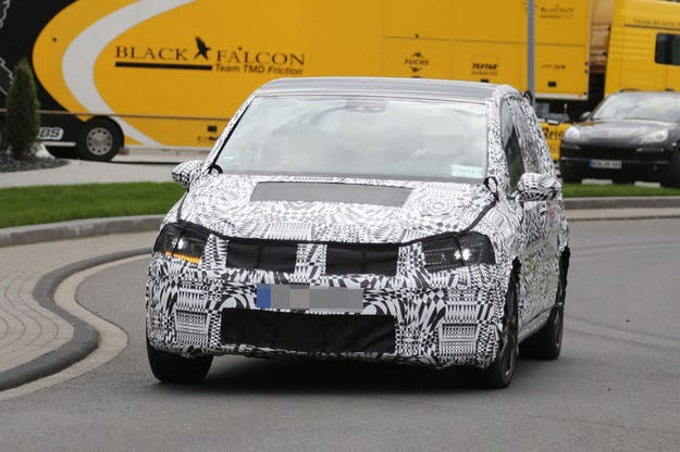 VW Touran: Новият компактен ван идва през 2015