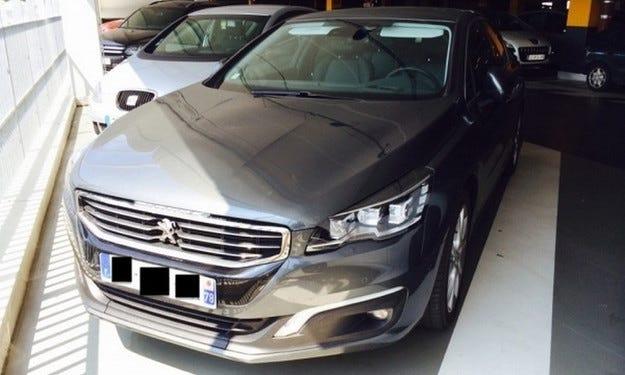 Появиха се в мрежата снимки на обновения Peugeot 508