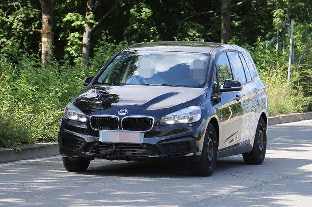 BMW 2 Active Tourer: Седемместният ван е пораснал с 20 см