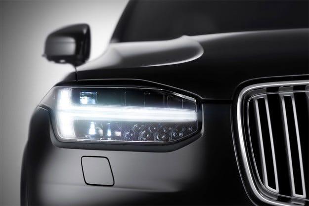 Volvo показа първия тийзър на кросоувъра XC90