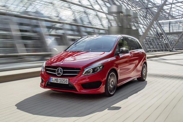Mercedes показа в Париж обновената B-класа
