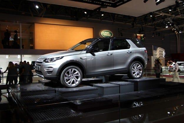 Land Rover Discovery Sport дебютира в Париж