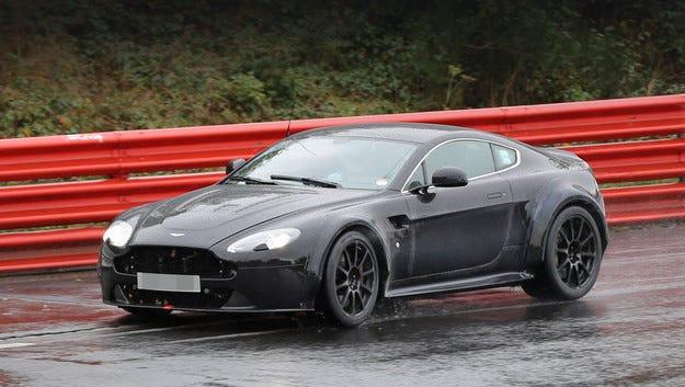 Aston Martin направи прототип на купе с мотор от AMG