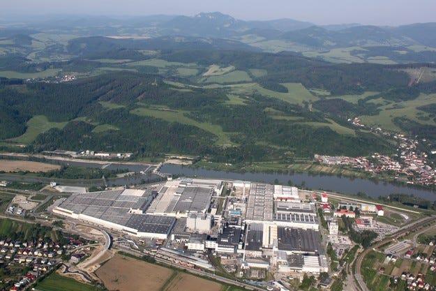 Уникален завод на Continental в словашкия град Пухов