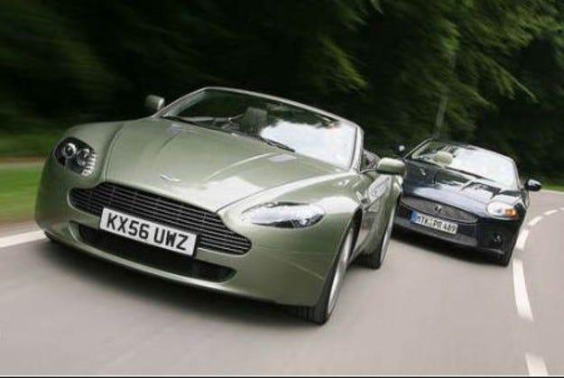 Aston Martin Vantage срещу Jaguar XKR