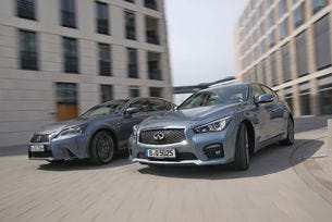 Infiniti Q50 срещу Lexus GS 450h