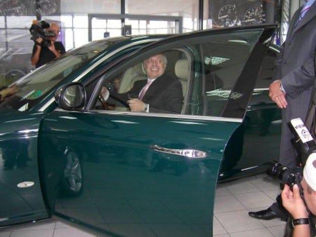 Jaguar XJ за Валентин Михов