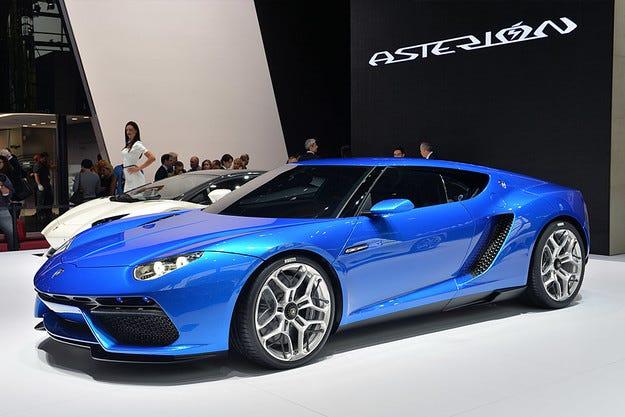 Lamborghini Asterion тръгва към поточната линия