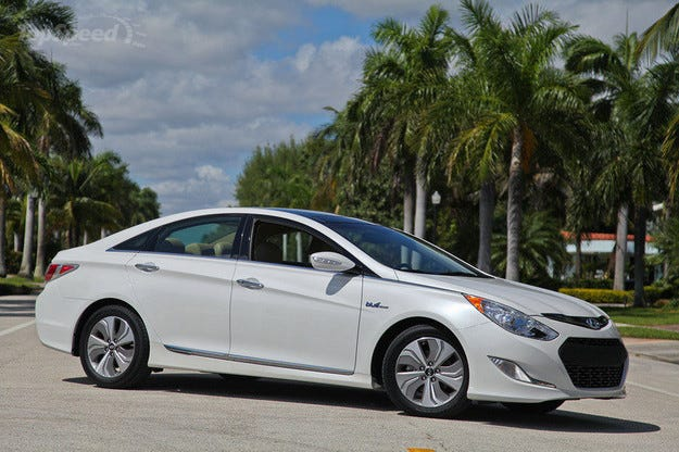Hyundai разкри новото поколение на хибридната Sonata