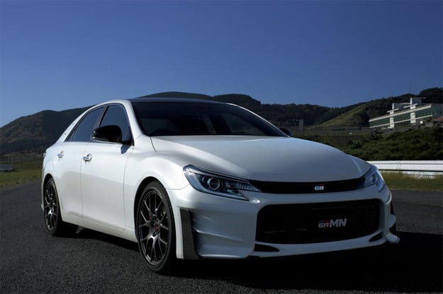 Toyota разкри специалната версия Mark X