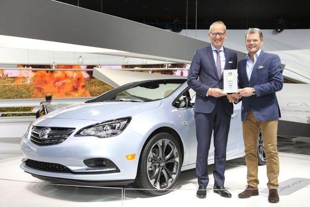 """Наградата """"Connected Car"""" отново отиде при Opel"""