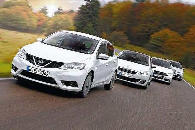 Nissan Pulsar срещу Civic, Astra и 308