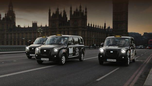 Хибридното такси Metrocab вече върти по улиците на Лондон
