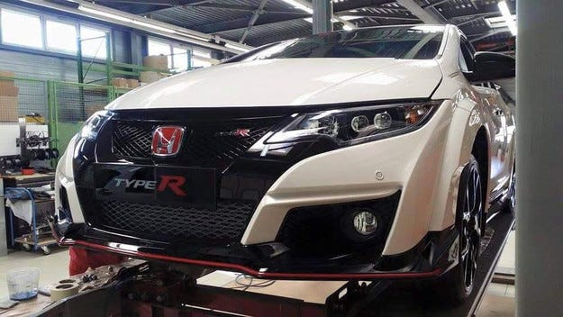 Разсекретиха Honda Civic Type R преди премиерата