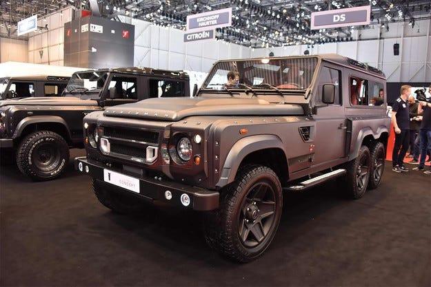Land Rover Defender представи версия с шест колела