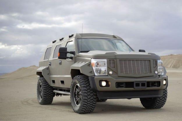 US Specialty Vehicles Rhino: Апокалиптичен великан с V10