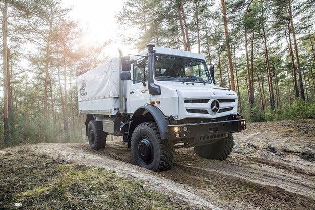 Камионът Unimog 2015: Легендата е преекспонирана