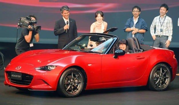 Fiat ще покаже нов роудстър на базата на Mazda MX-5