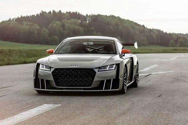 Компанията Audi показа свръхмощна версия на TT