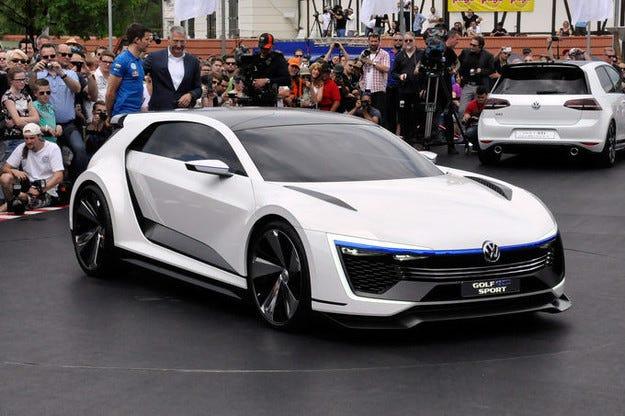 VW Golf GTE Sport на срещата GTI във Вьортерзее