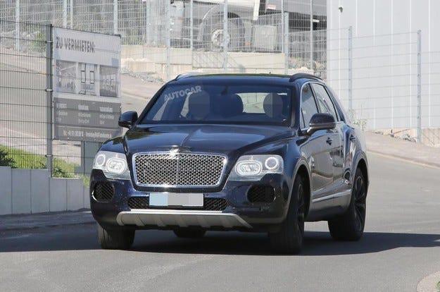 Издебнаха кросоувъра Bentley Bentayga без камуфлаж
