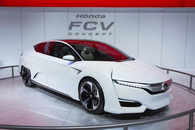 Honda пуска автомобили с горивни клетки до 2020