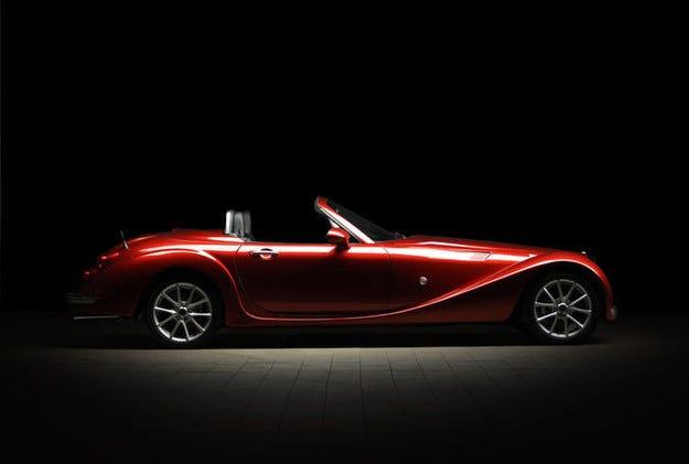 Mitsuoka стартира в Европа: Идва японски Roadster