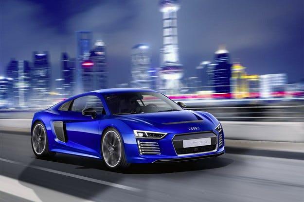 Audi доработи най-бързия си електромобил с автопилот