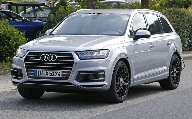 Топ версията на новия Audi Q7 снимана без камуфлаж