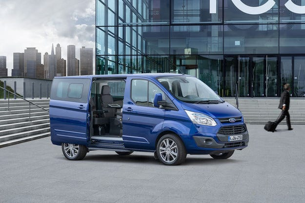 Пътуващ офис: Ford Tourneo Custom Business Edition