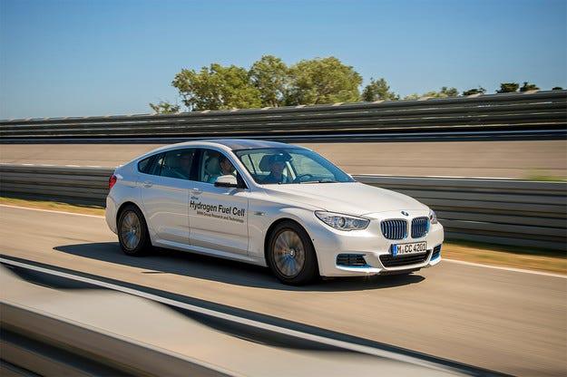 Компанията BMW ще пусне водороден автомобил до 2020 г.