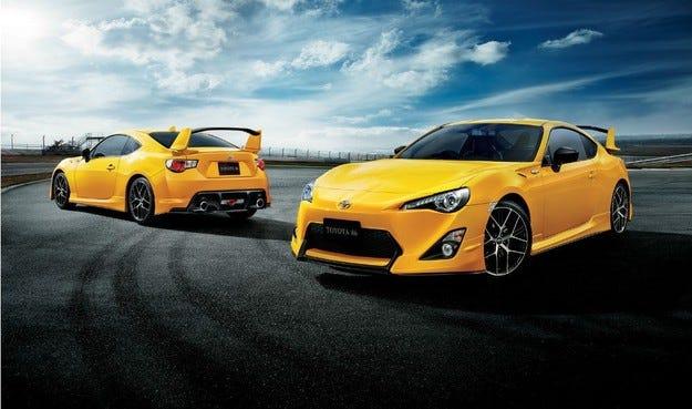 Toyota GT86 Yellow Limited: Убийствено жълто