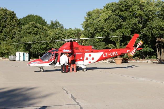 Мъж пострада тежко в жегите, изпратиха хеликоптер