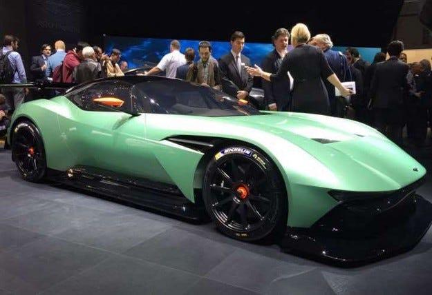 Aston Martin няма да прави пътна версия на Vulcan